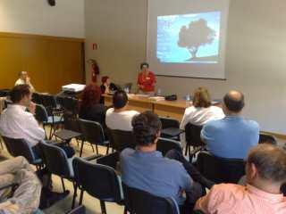 Presentación de ASINDA por parte de Mª Lluïsa Paytubí